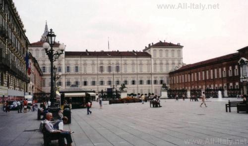 Площадь Кастелло